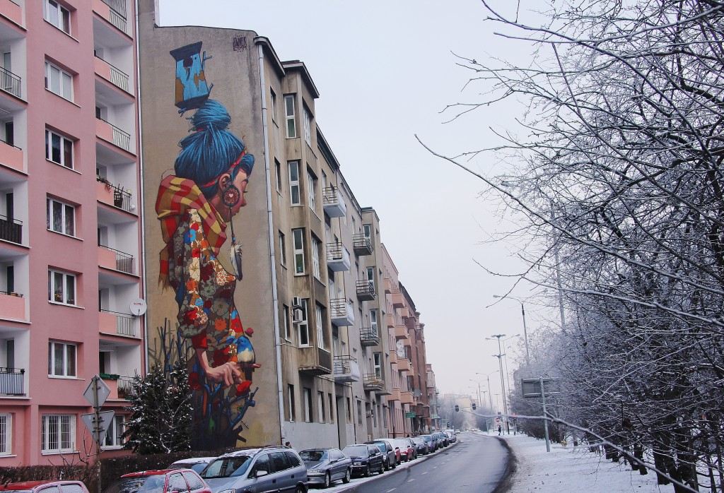 Lodz Street art, girl, graffiti, flats, Sainer
