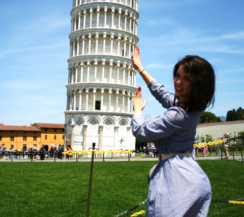 Leaning Tower of Pisa, perspective photo