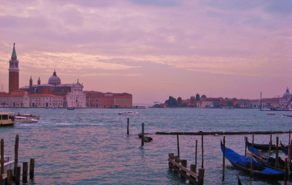 how to get to your accomodation in venice
