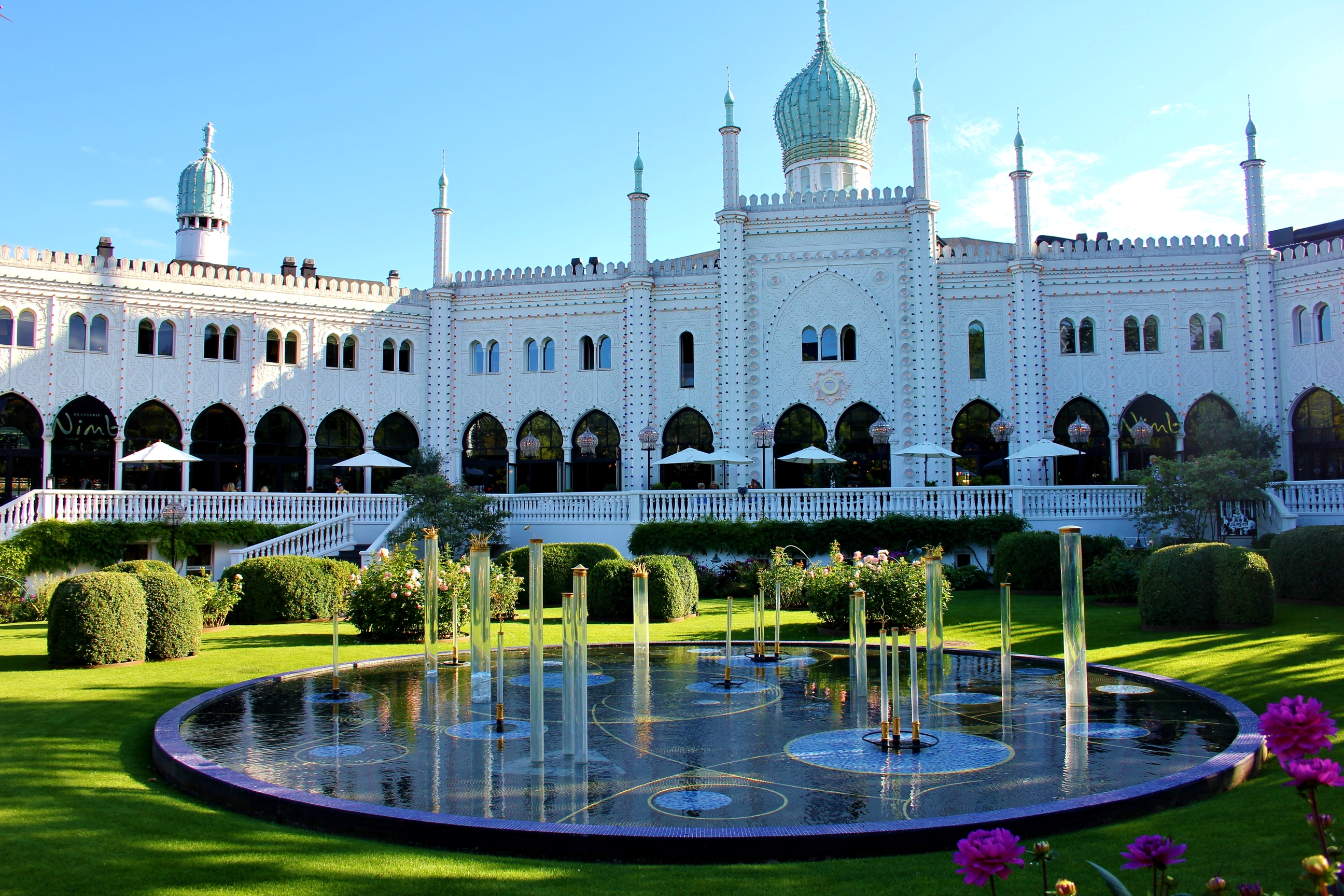 Tivoli gardens copenhagen images for Dining near at t park