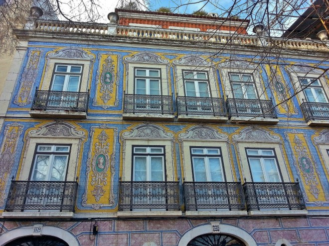 colourful buildings in Lisbon