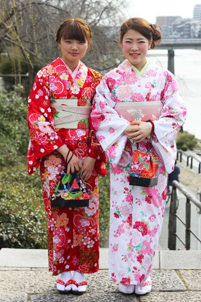 Japanese girls wearing kimonos in Kyoto