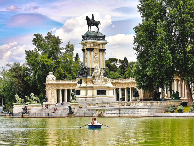 Things to do in Madrid - boat tide in Retiro Park