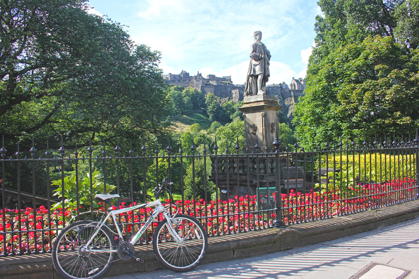 Visit Edinburgh, one of the most romantic cities in Europe