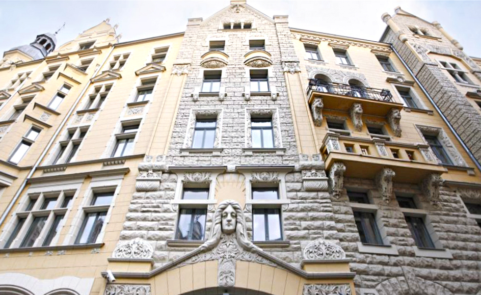The art nouveau facade of Neiburgs Hotel in Riga